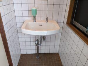 清水町中徳倉 壁掛け洗面器交換