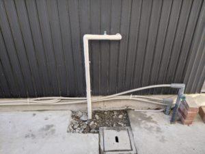 屋外給水管露出
